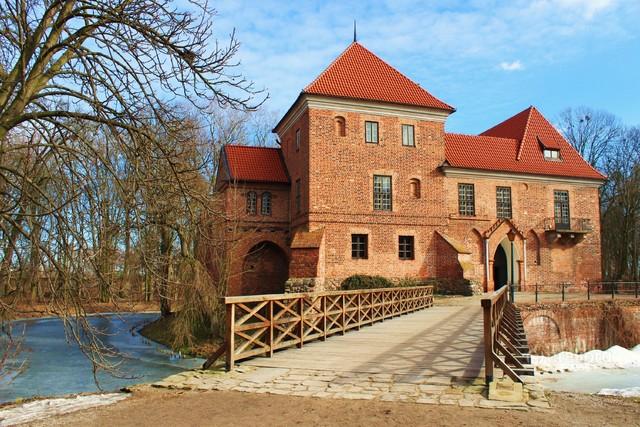 Janina Godlewska-Gorczyca zamek w Oporowie