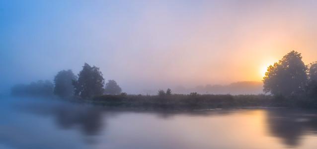 Krzysztof Tollas Mgła nad rzeką