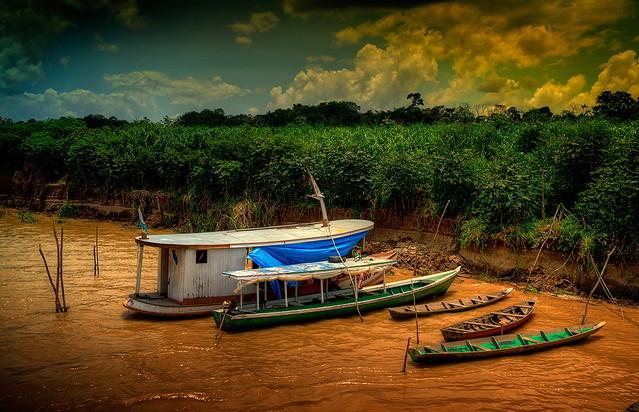 Zbigniew Stanislawski Koniec dnia na brzegu mlecznej Amazonki