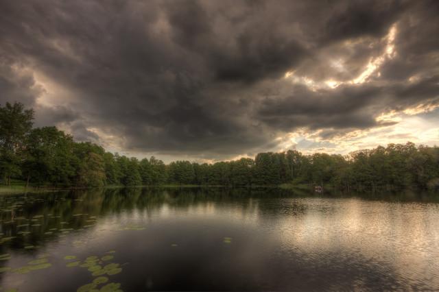 Wojciech Toman Chmury nad Jeziorem