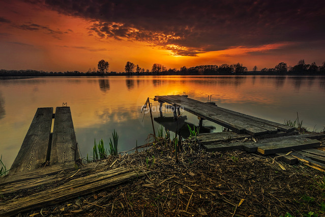 Grzegorz Moroń ...nad wodą...