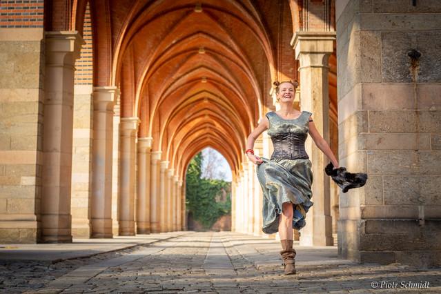 Modelka: Pola Babicz Sesja fotograficzna w Pałacu Marianny