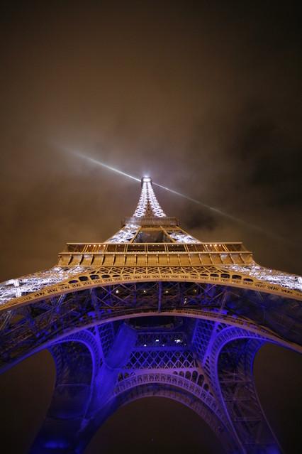 iwonek Wieża Eiffla w nocy