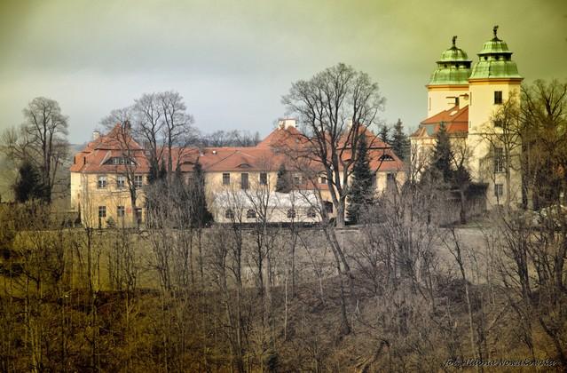 Aldona Nowakowska Boczne zaudowania zamku Książ